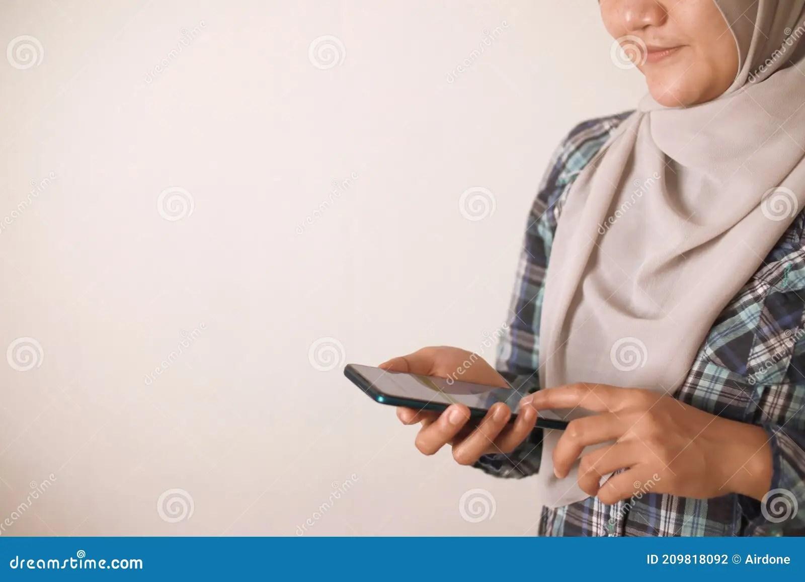 Mädchen ragazza asia asa fick. 257 455 Internet Gadget Photos Free Royalty Free Stock Photos From Dreamstime
