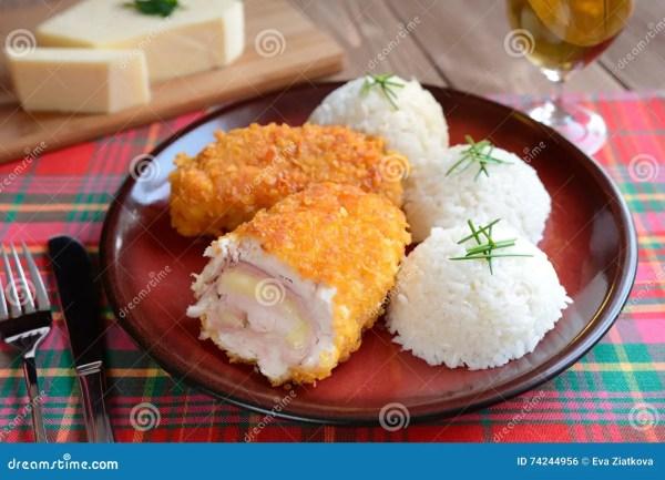 Cordon bleu avec du riz photo stock. Image du poulet ...