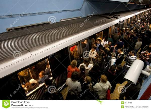 Crowded Subway Station Editorial Photo - Image: 27276166