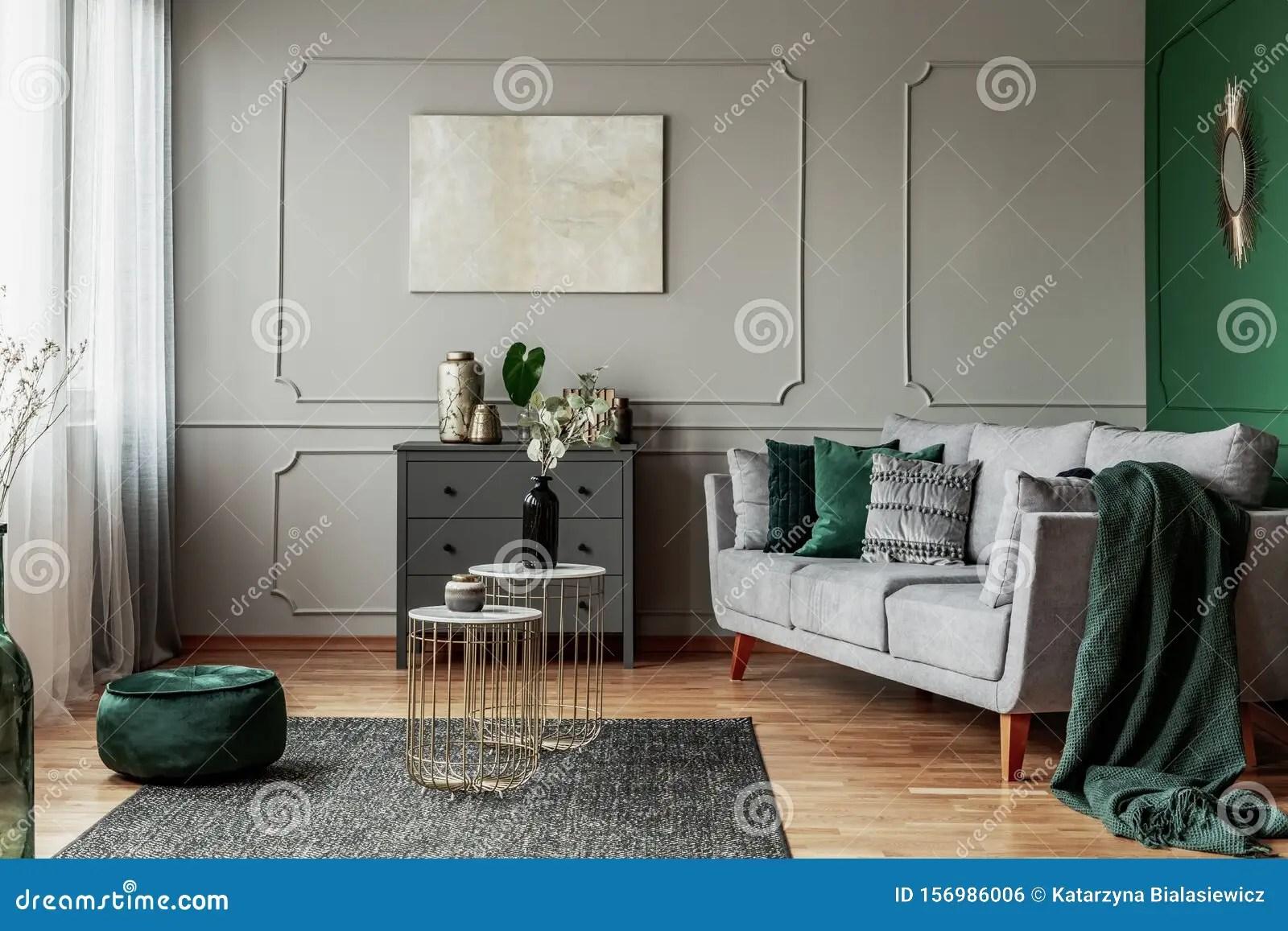 meraude et gris avec peinture abstraite