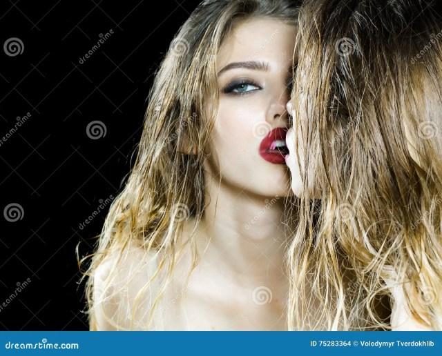 Znalezione obrazy dla zapytania odbicie w lustrze twarzy zdjecia