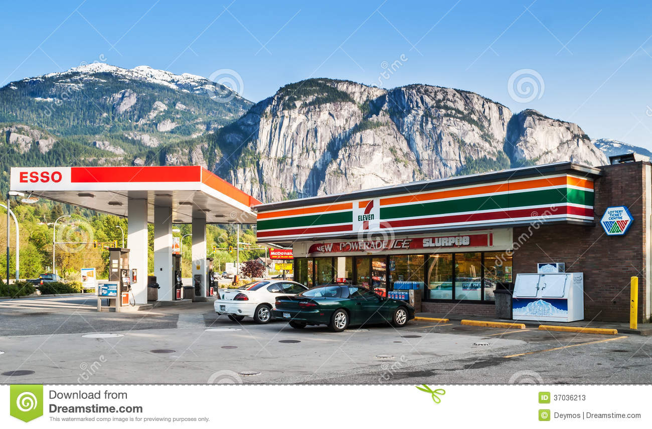 7 Eleven Store And Esso Gas Station In Squamish Editorial