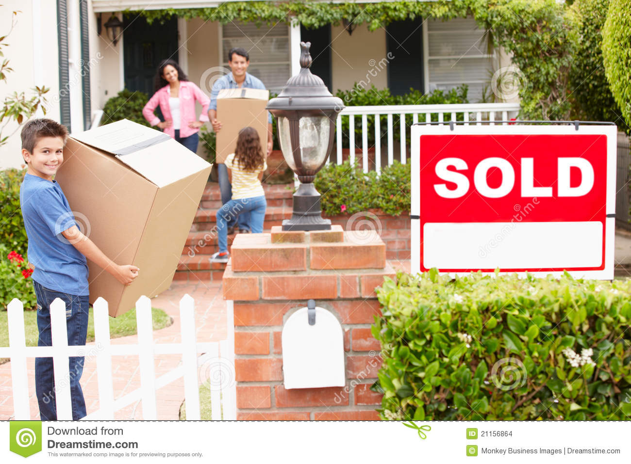 Family Moving Into New Home Stock Images Image 21156864
