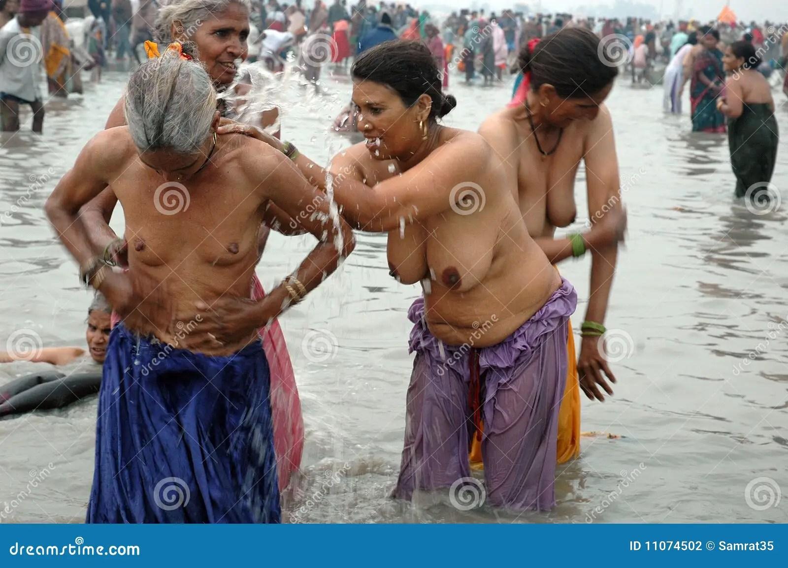 Jaamaican women make love