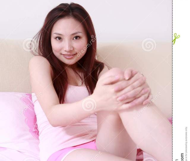 Young Asian Sex Girl On Bed