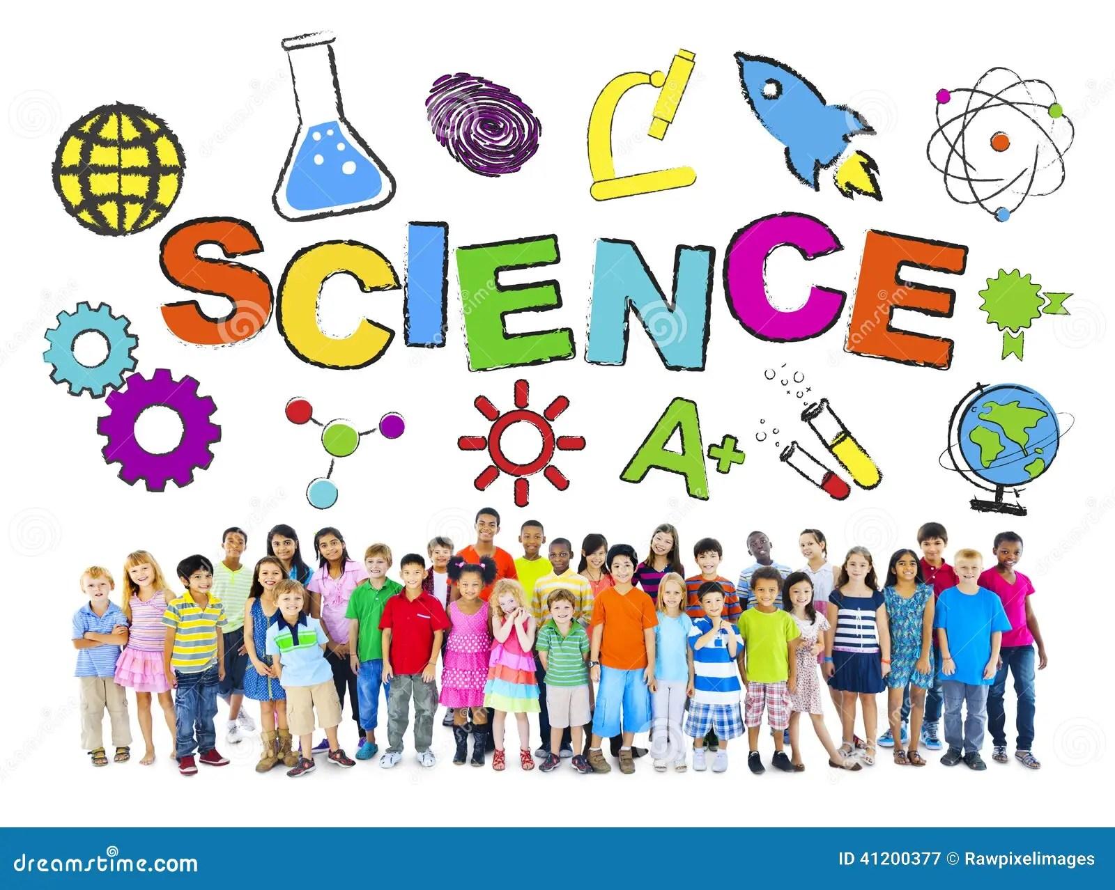 Grupo De Ninos Con Concepto De La Ciencia Imagen De