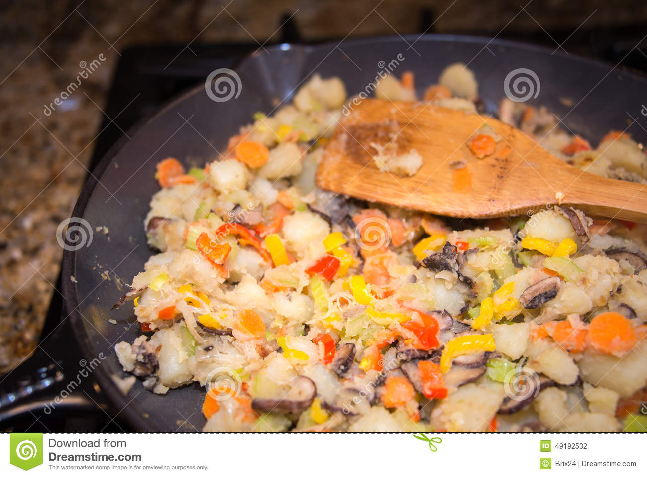 Slide hash browns onto a plate. Hash Browns In A Cast Iron Pan Stock Photo - Image of chef ...