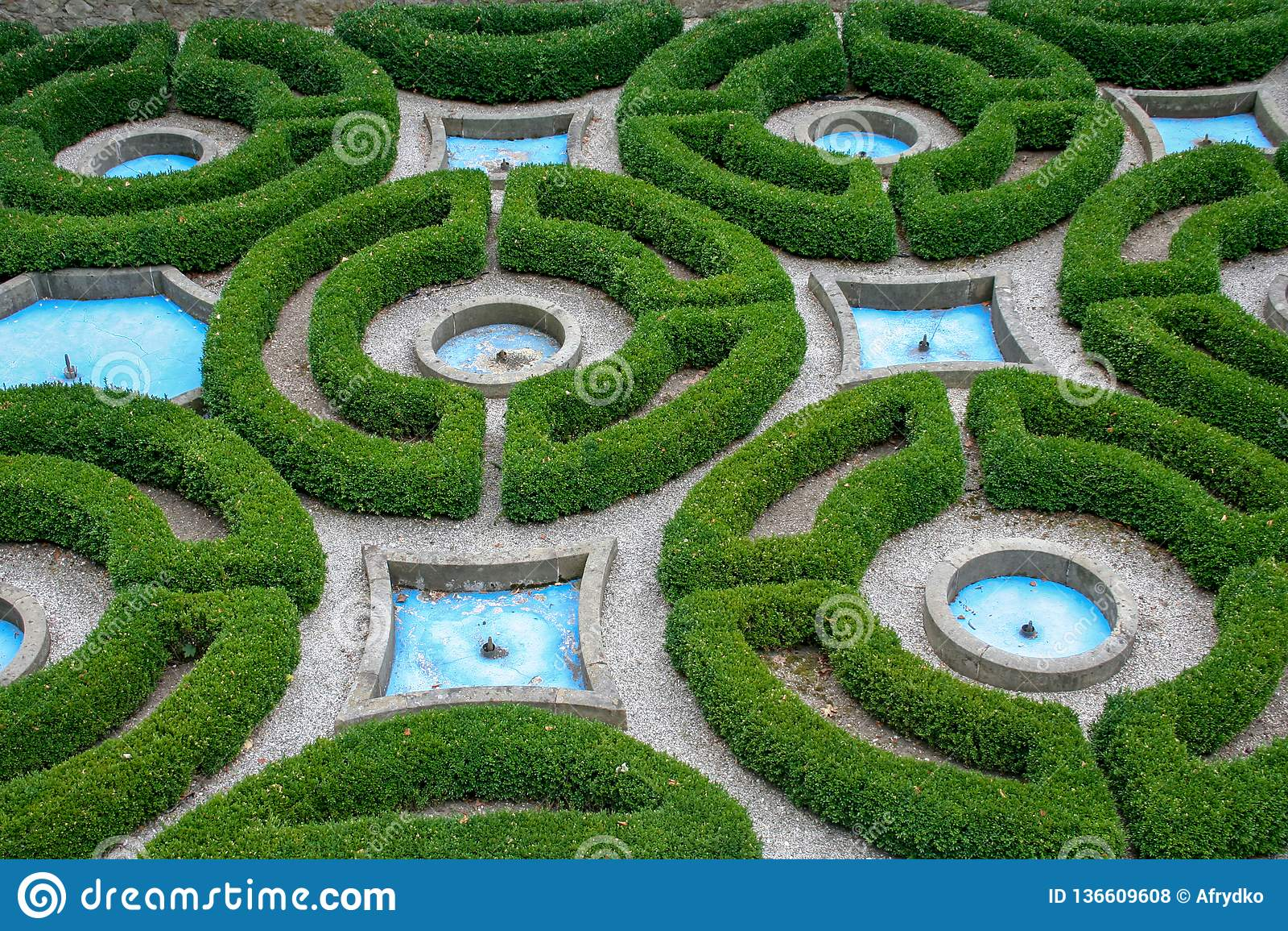 https fr dreamstime com jardin anglais fontaine image136609608