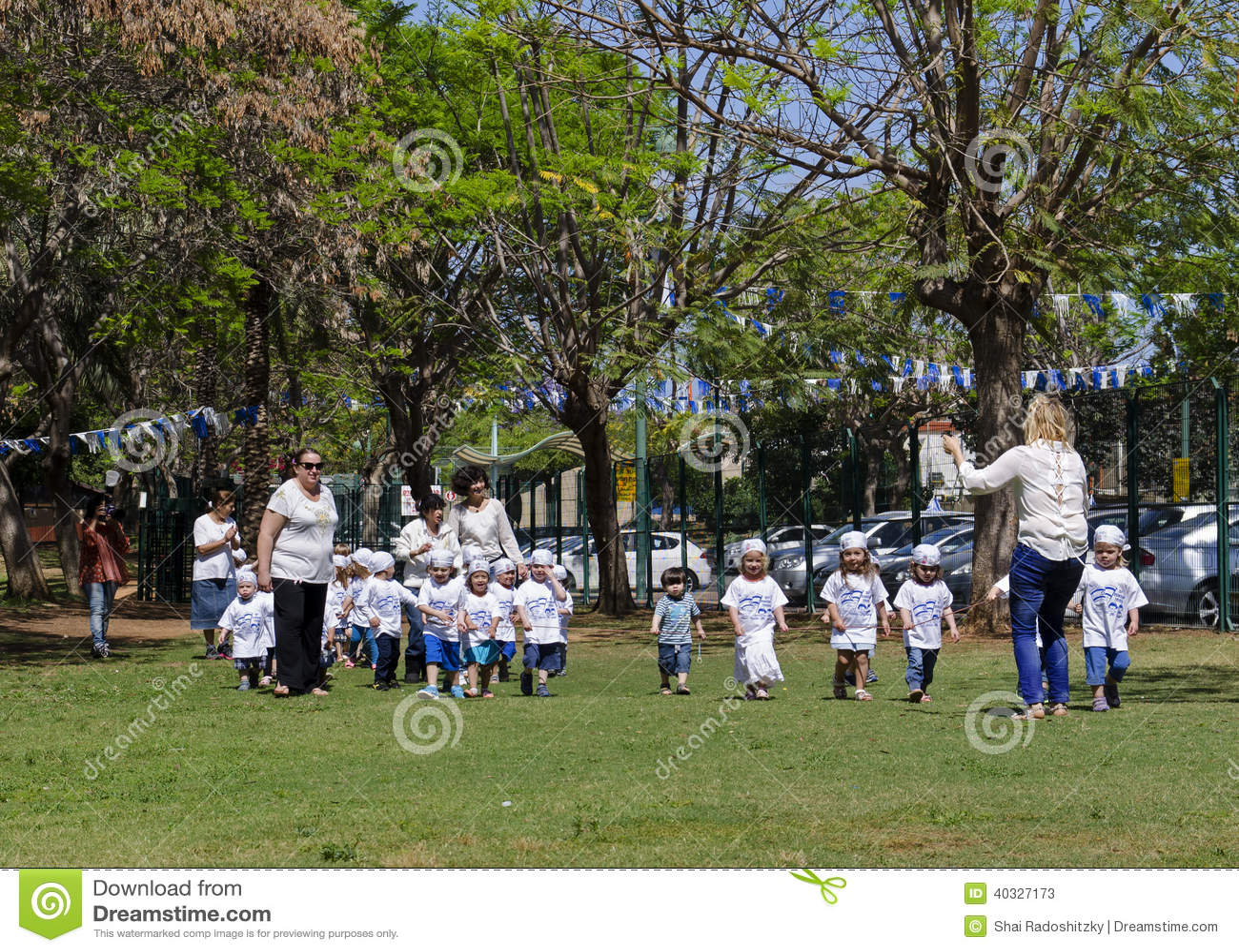Kindergarten Kids At Israel Independence Day Editorial
