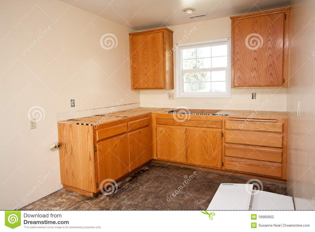 Kitchen Cabinets Without Countertop Stock Photography