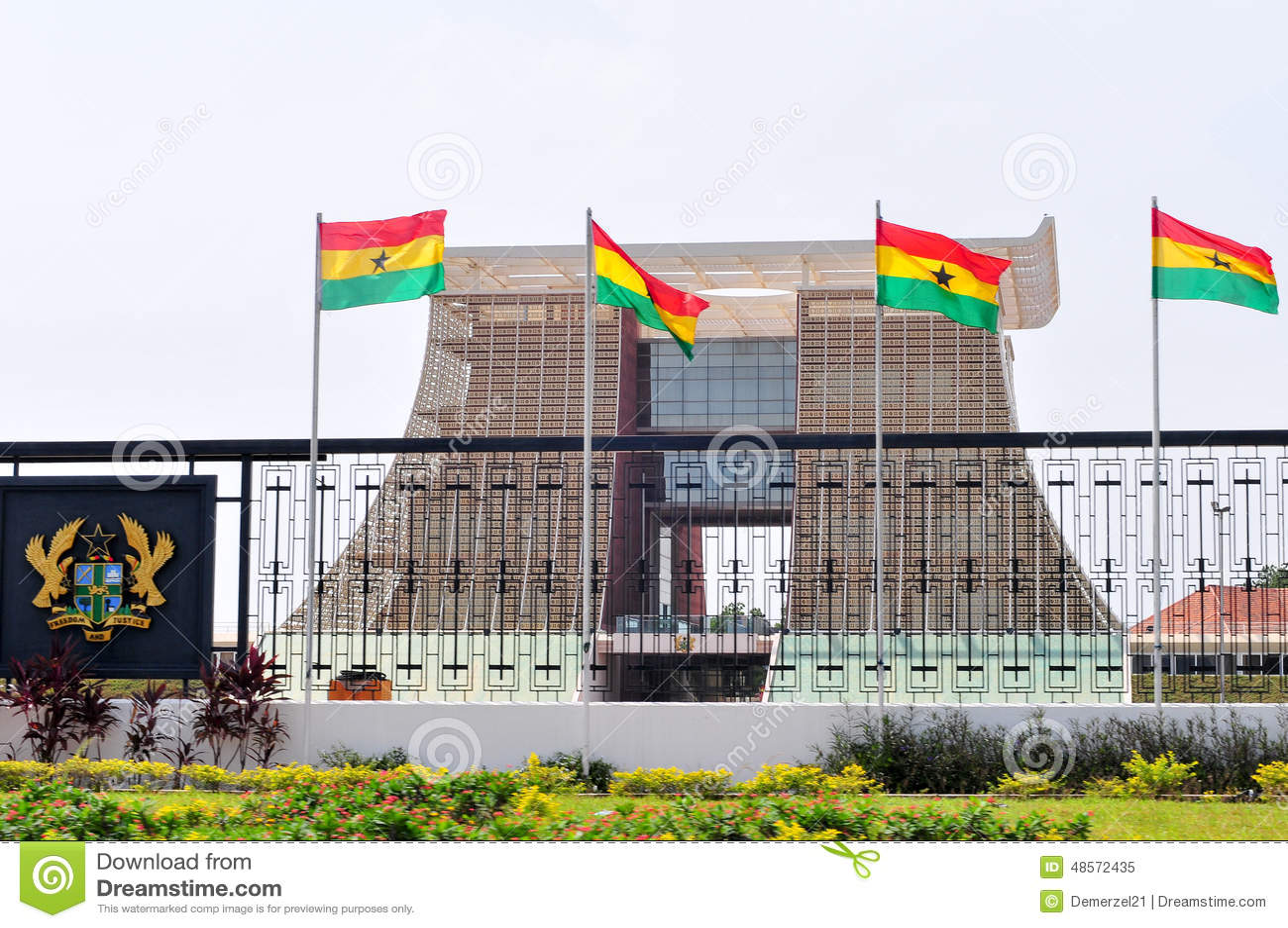 """Résultat de recherche d'images pour """"palais présidentiel ghana"""""""