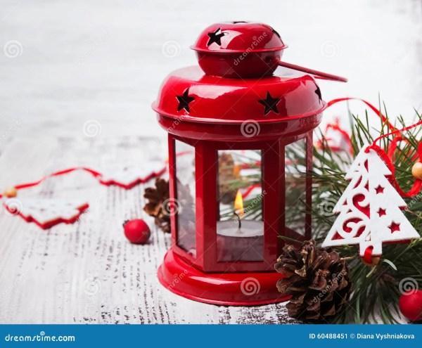 Lanterne Rouge De Noël Avec La Bougie Image stock - Image ...