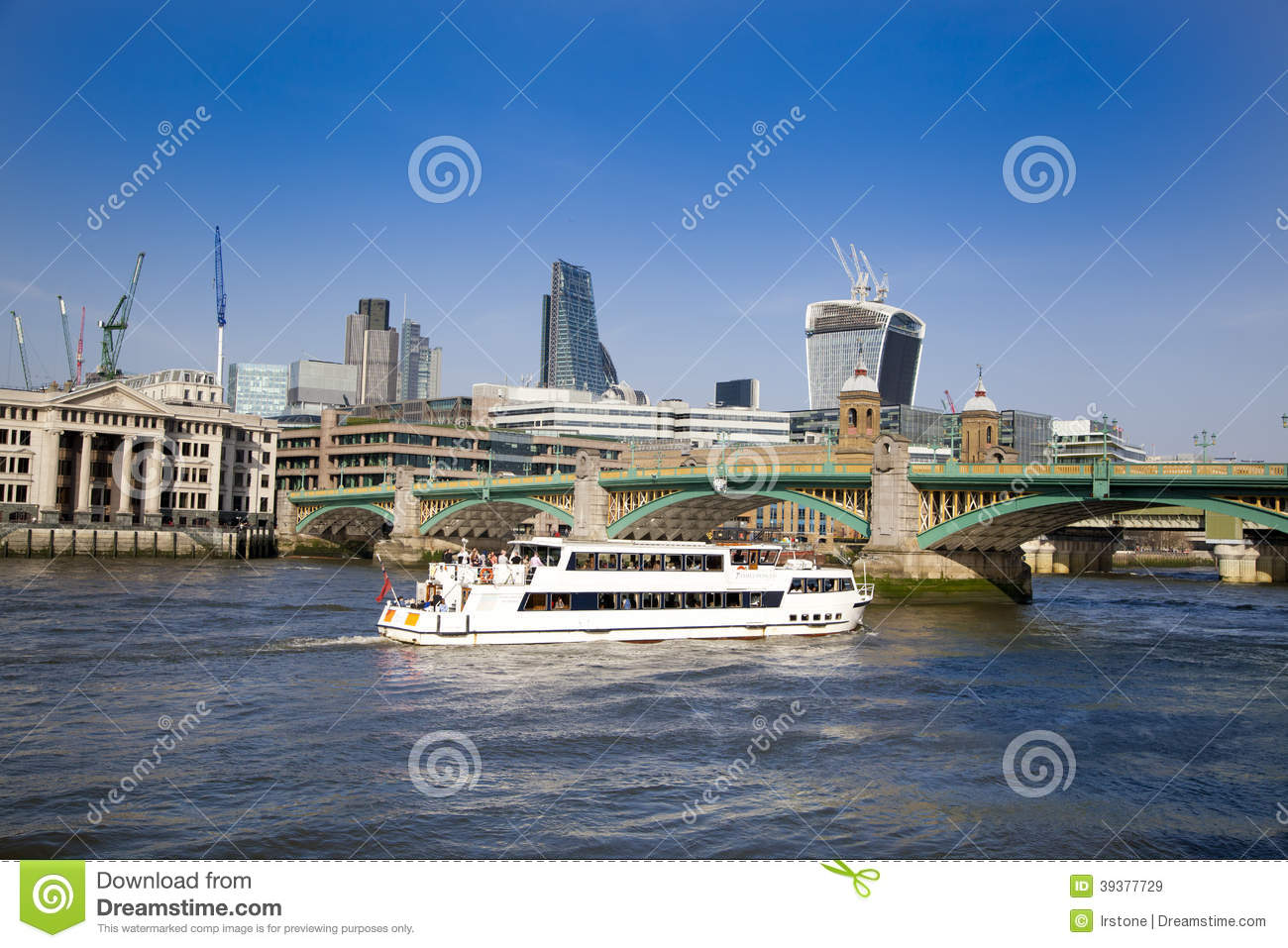 ... 29, 2014 South bank walk of the river Thames Editorial Stock Image
