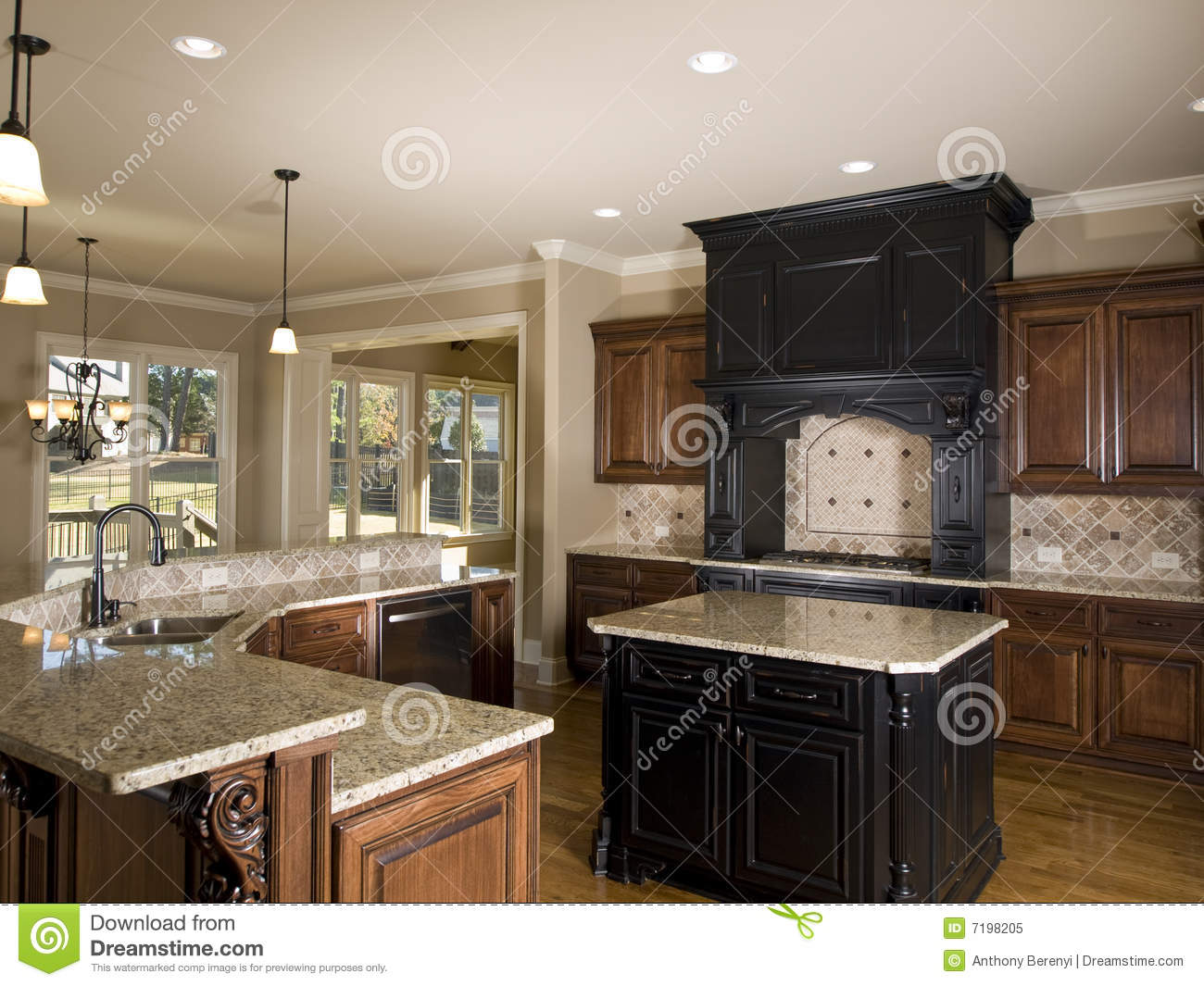 Luxury Center Island Kitchen Right Side Royalty Free Stock