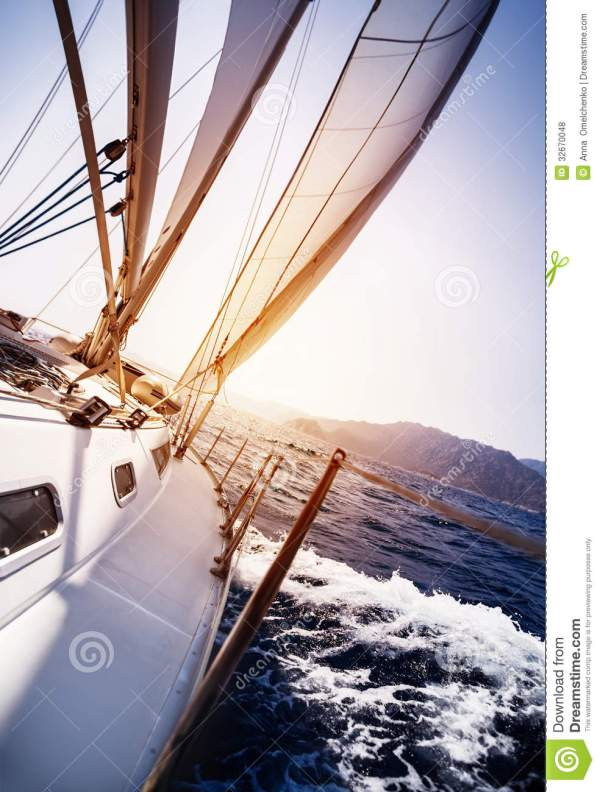 Luxury Yacht In Action Royalty Free Stock Photos - Image ...