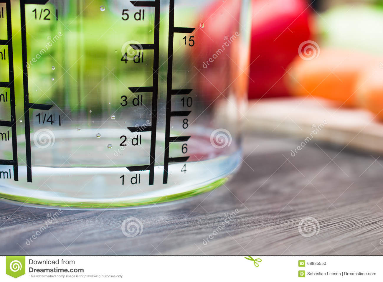 Measuring 4 Water 3 Cup