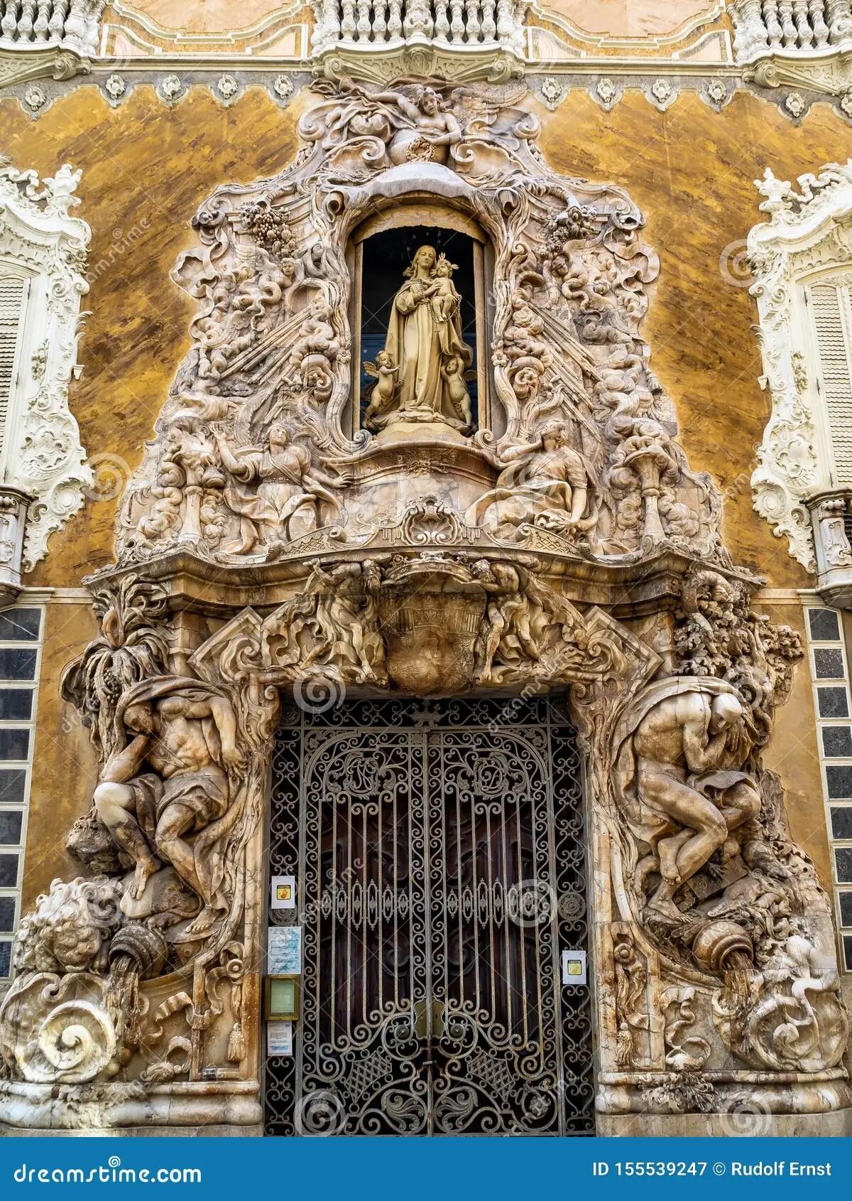 Un palazzo gotico riconvertito in rococò. Museo Nazionale Di Ceramica E Di Arti Decorative A Valencia Spagna Immagine Stock Immagine Di Costruzione Ornare 155539247