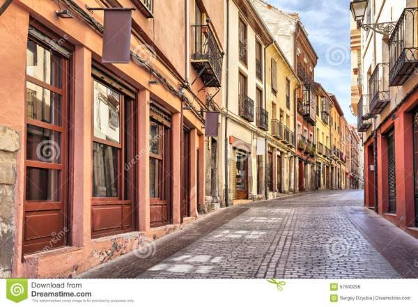 Narrow Pedestrian Street In The Center Of Leon Stock Photo ...