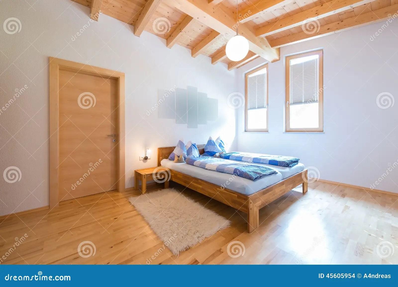 nouvelle chambre a coucher en bois moderne photo stock image du bois nouvelle 45605954