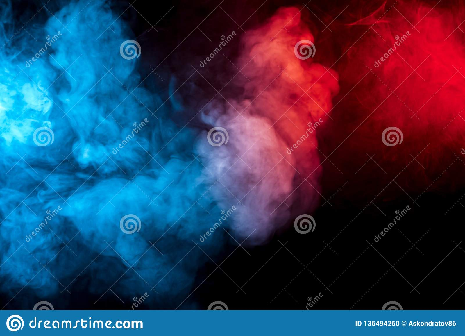 isolement bleu rouge orange rose
