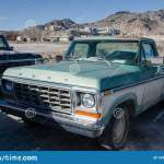 Old Ford F150 Custom On Bonneville Salt Flats Parking Editorial Image Image Of Drive Green 143474305