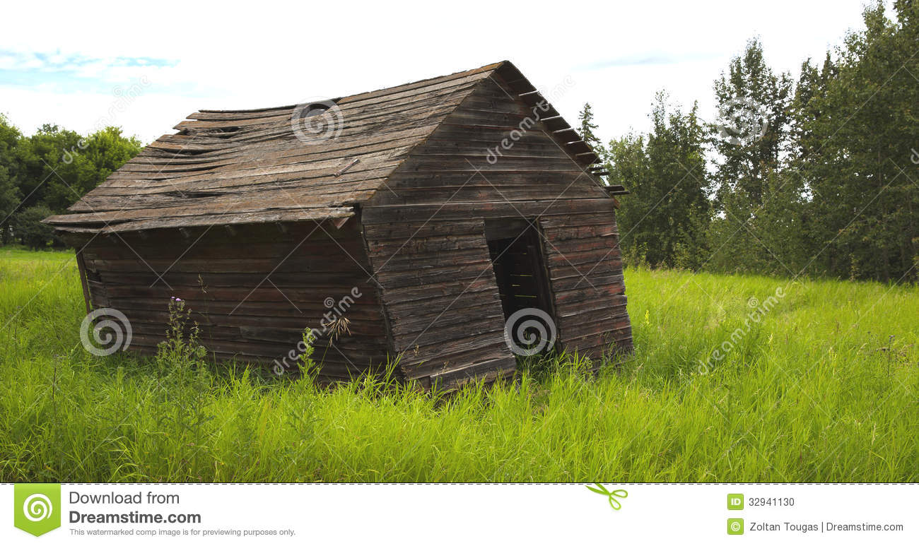 Old Leaning Farm Shed Stock Photo Image 32941130