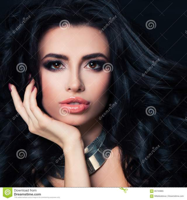 perfect brunette woman with hairstyle, makeup, healthy skin