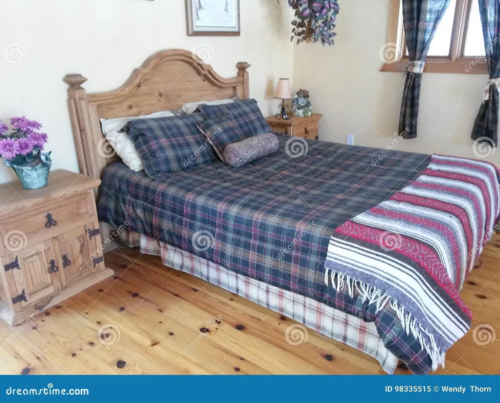 planchers modernes de lit en bois