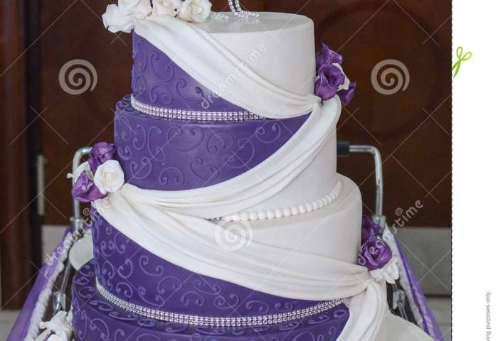 Purple White Wedding Cake Stock Image Image Of Food 104282913