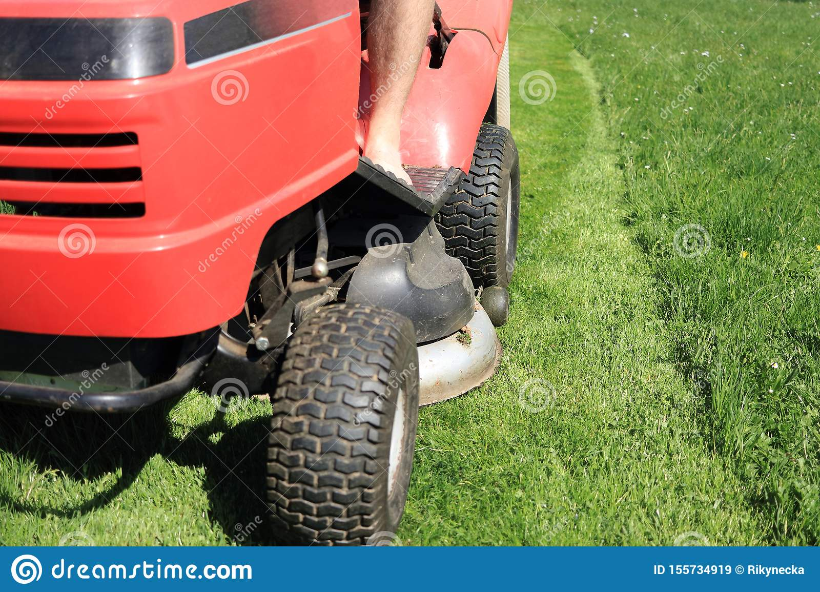 Red Riding Lawn Mower Lawnmower Ride On Mower In Garden Stock Image Image Of Deck High 155734919