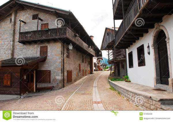Sauris di Sopra stock photo. Image of architecture, lane ...