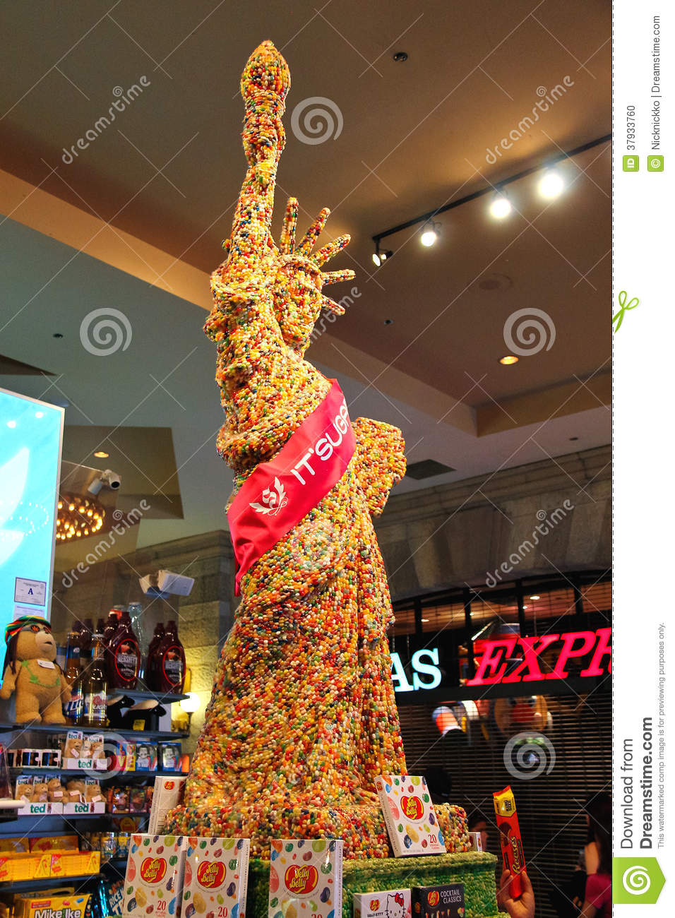 Statue Of Liberty Made Of Chocolate Is In Store At New