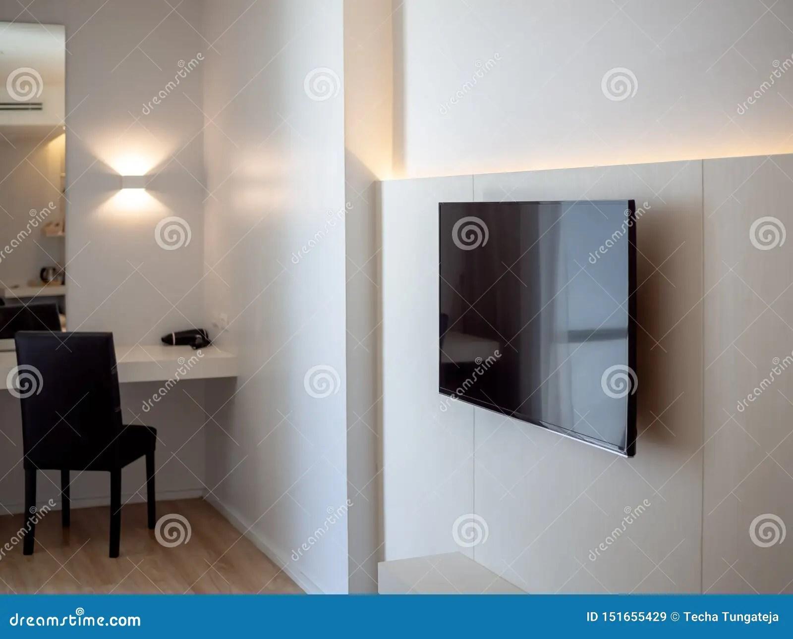 noire de led sur le mur blanc