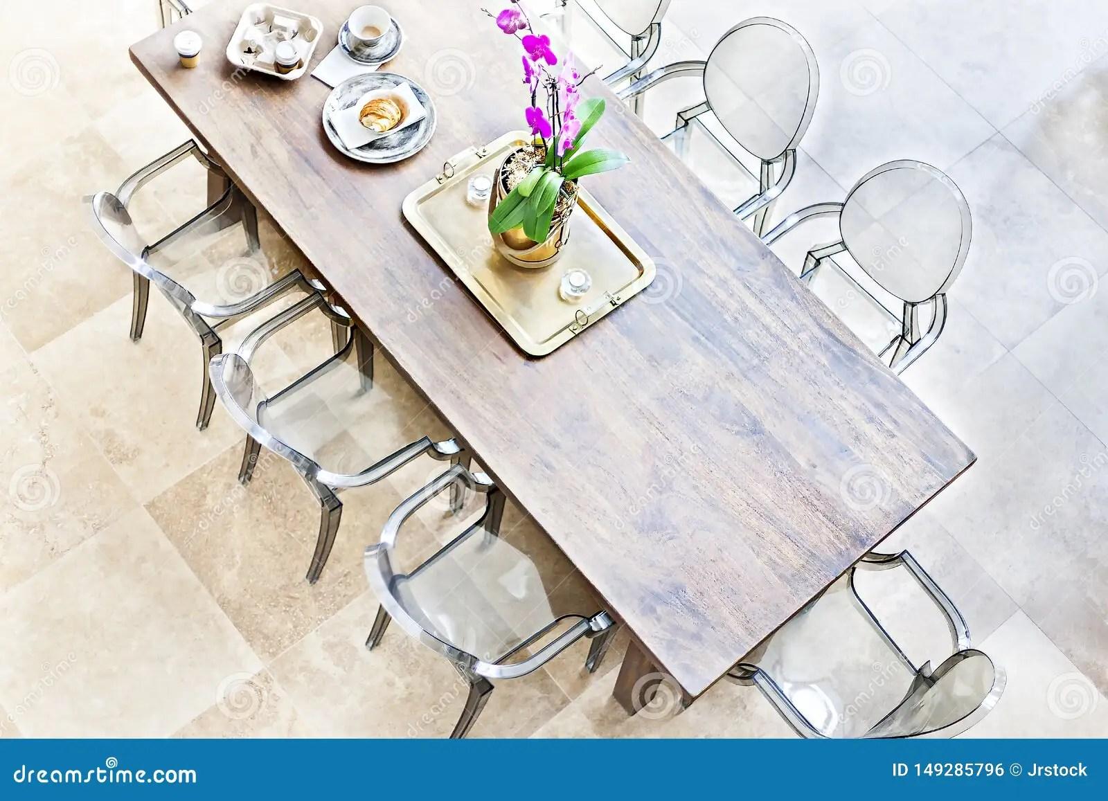 salle manger en bois au dessus de vue