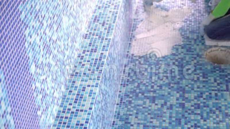 tile grouting in swimming pool