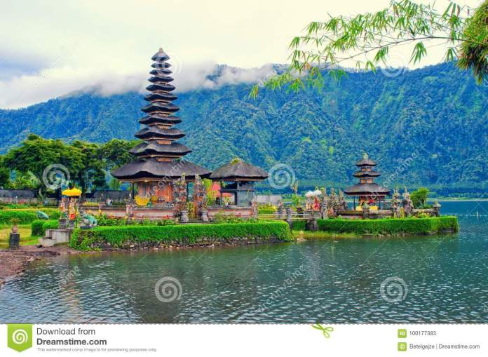 Ulun Danu Bratan Temple On Danau Beratan Lake Famous Landmark And Culture Symbol Of Bali Indonesia Stock Image Image Of Indonesia Horizontal 100177383