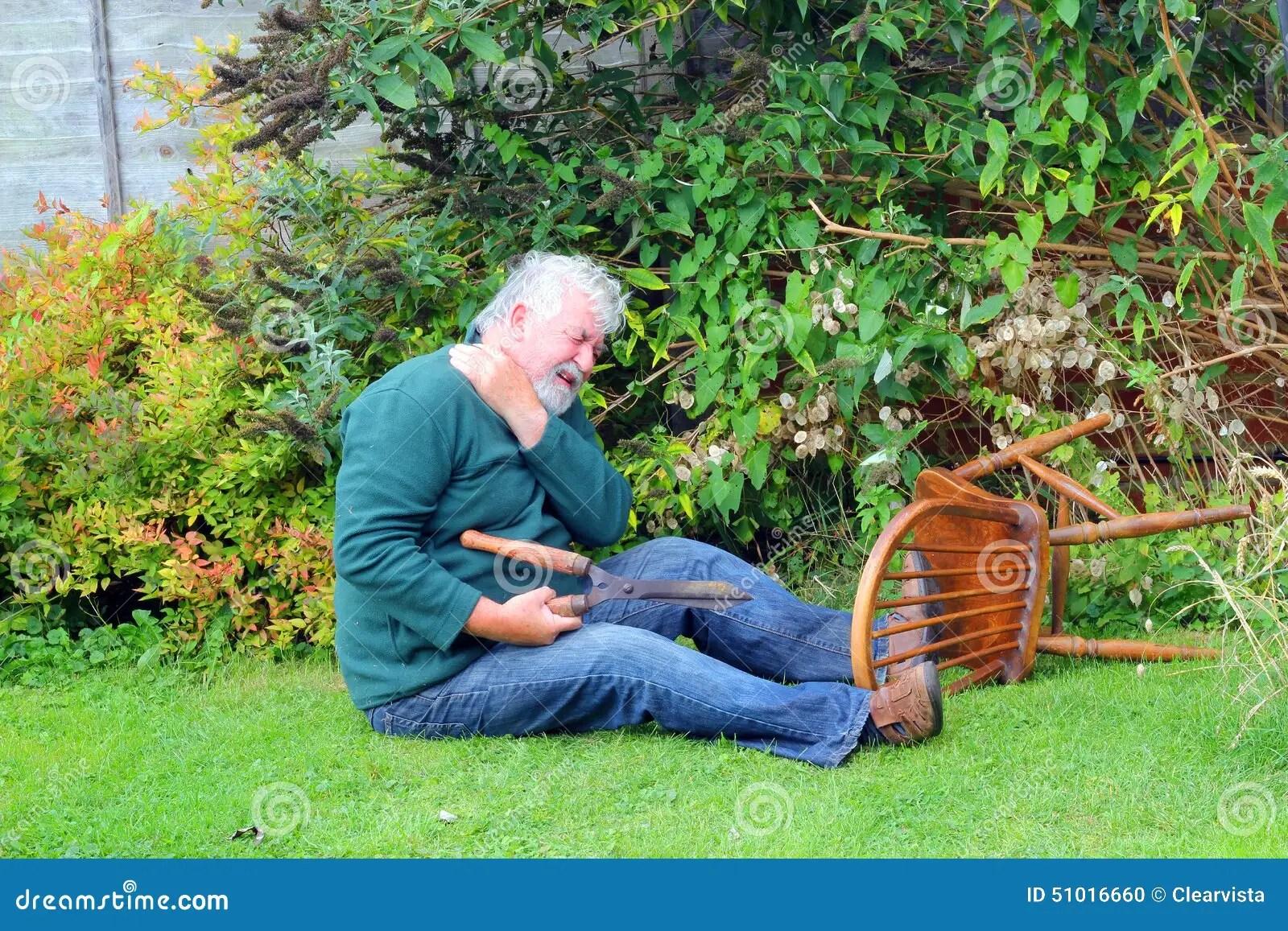 Unfall Garten Vorbei Gefallen Gefahr Stockfoto
