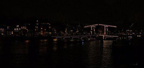 de Magere-brug bij nacht