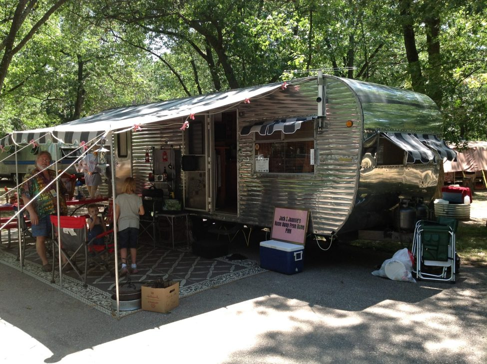 Tin-Can-Camper-Vintage-Trailer