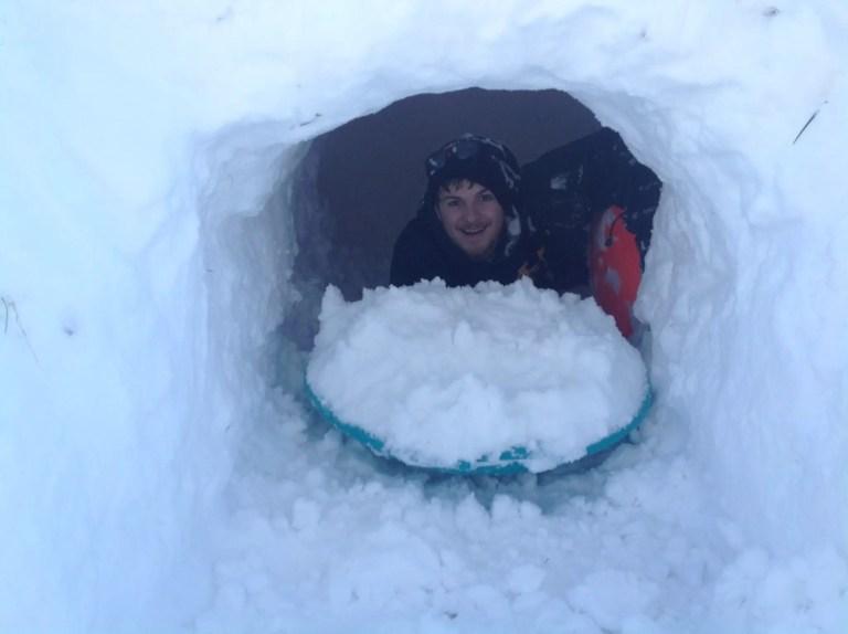Winter Survival Quinzhee - Winter Camping