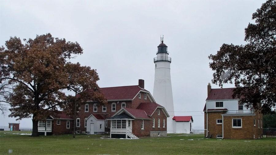 Ft-Gratiot-Lighthouse-Duplex