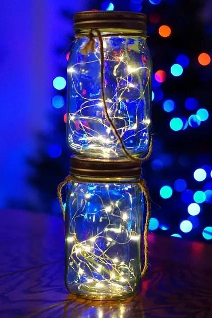 DIY Christmas Decorations - Mason Jar LIghts
