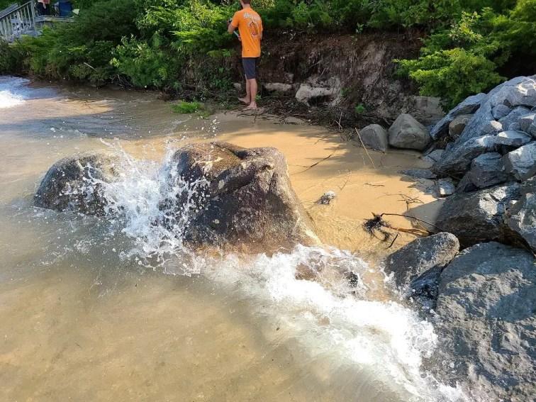 Great Lakes Beach Erosion - Sill breakwall