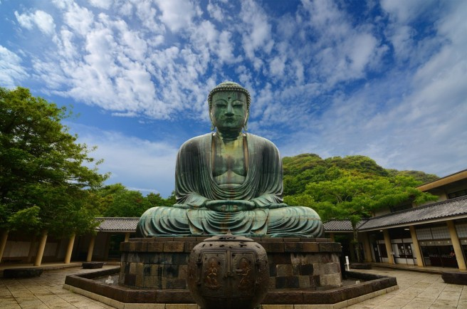 the-great-buddha-daibutsu-on-the-grounds-of-kotokuin-temple-in-kamakura-japan