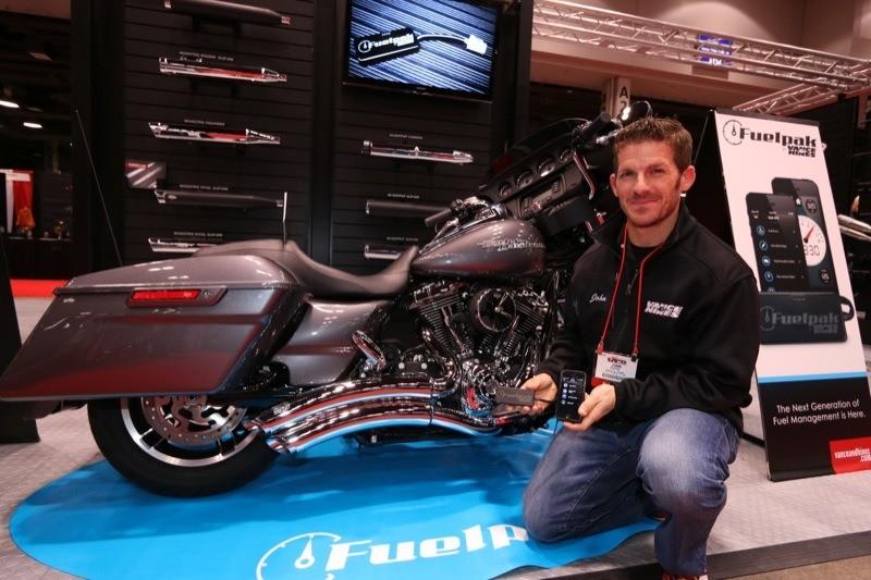 Vance & Hines Fuelpak FP3 and Super Radius exhaust