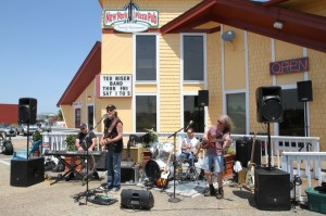 The ever-popular Ted Riser Band performing at New York Pizza Pub