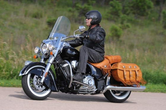 The Chief Vintage comes dressed with a quick-release windshield, premium genuine leather saddlebags and crash bars