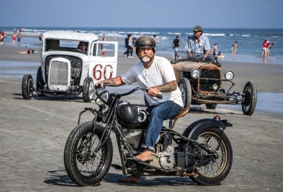 """Mel """"Van Riper"""" Stultz and his 1939 Indian Chief get ready for another run"""