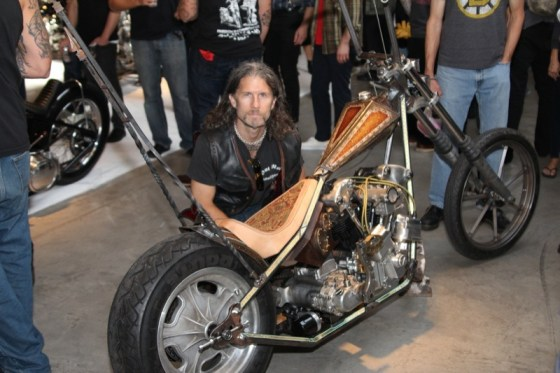Paul Cox and his Shovel/Knuck hybrid custom with square-tubed frame