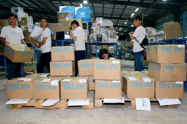 thung giay carton logo tiki 1 - Thùng giấy carton logo Tiki.vn